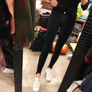 (全新)正韓超瘦硬挺版前短後長黑褲