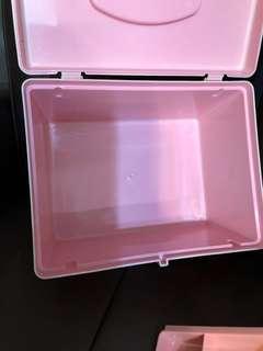 Roomy Plastic Storage Box 膠箱膠盒