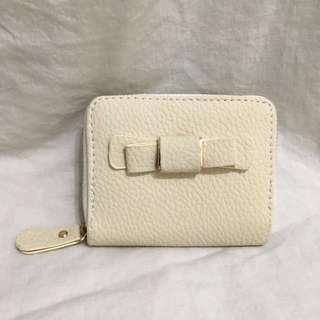 🆕 Simple Bow White & Gold Wallet