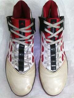 Sepatu basket Adidas Adizero sprintweb