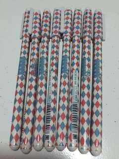Red-Blue checkered 0.38mm Black Gel Ink Pen