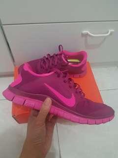 Nike Womens Free Run V 4.0