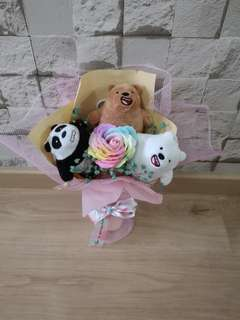 We bare bear bouquet with rose and baybreath