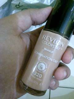 Foundation Revlon Shade 320