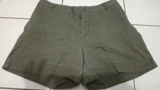 Hotpan.. hijau army .. good condition