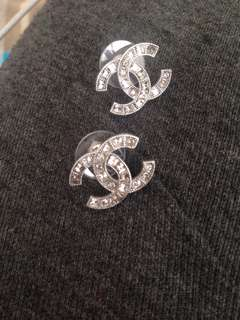 Authentic Chanel A88375 Preowned Double C earrings
