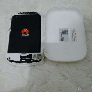 Pre-loved Star Wars Huawei Globe Tatoo Pocket Wifi
