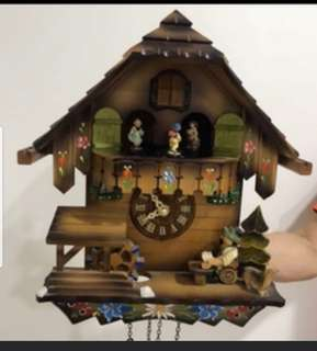 Like new cuckoo antique wooden hand made clock from Germany battery operated
