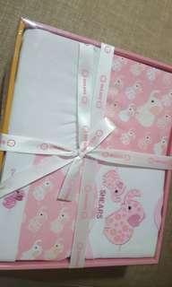 [Sales] Newborn Baby Gift Set - hat etc
