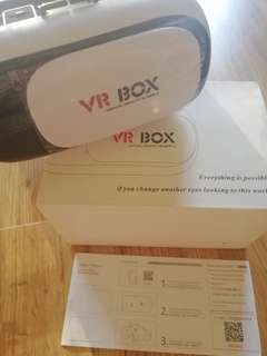VR BOX - COMPLETE WITH ACCESSORIES