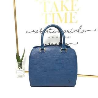 Lv电光蓝水波纹手提包