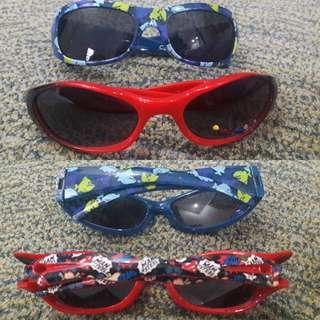 Sun glasses anak-anak dapat 2.