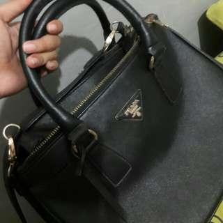 Tas (Bag) Prada Hitam (Black)