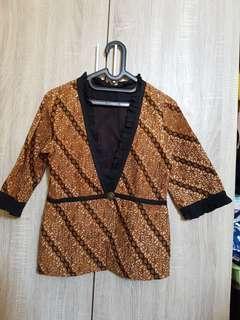 Outer/ blazer batik tulis
