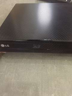 LG Network 3D Blu Ray Disc / DVD Player BP-450