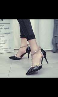 PREORDER studded pointed high heel shoes , waiting time 10-14 days after payment is made*pm to order