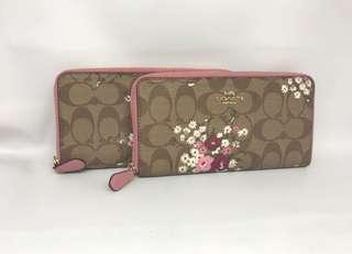 Coach accordion wallet floral 12 slots