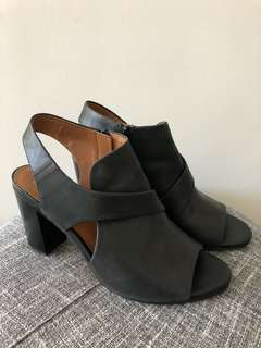 Wittner open-toe black leather boots 40