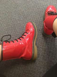 Fake docs marten red boot