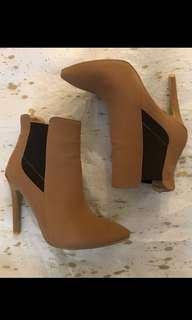 MARCO GIANNI Tan Boots