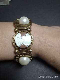 Antique finish lady cameo bracelet with pearl in antique settings