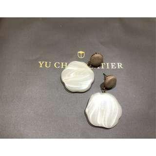 復古簡約大理石紋設計耳環 白色塑料 圓片 誇張 大耳環 半透明 咖啡色 古著 防過敏