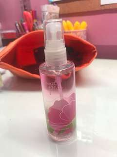 Bath & Body Works Sweet Pea fragrance mist