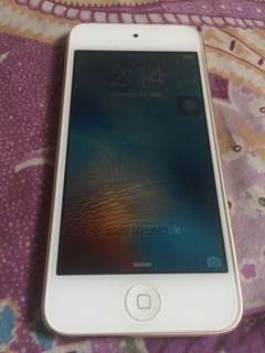 iPod Touch 6th Gen. 16gb Gold