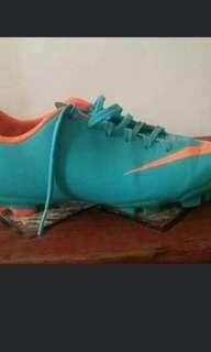 Mercurial soccer shoes 2y