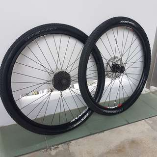 """29"""" wheelset with 9 sp casette"""