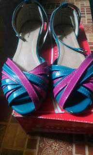 Sepatu In new