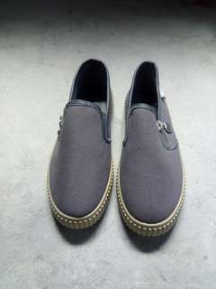 WST gray shoes