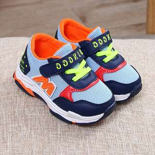 Fashionable M Light Mesh Velcro Sports Shoes Unisex