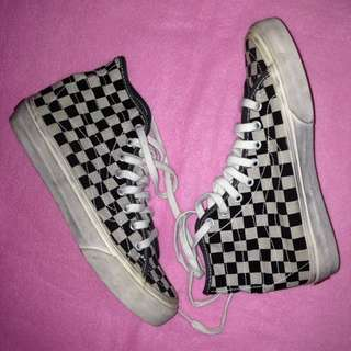 repriced!! vans checkered sk8-hi