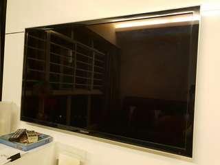 "SAMSUNG 46"" LED TV - UA46D5000 + BLU RAY PLAYER"