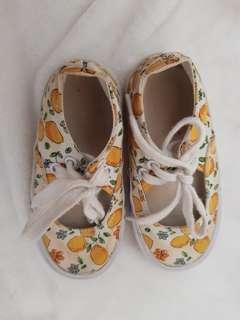 Preloved sepatu mothercare sz 5/21.5