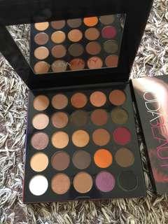 HUDABEAUTY eyeshadow palette 🎨