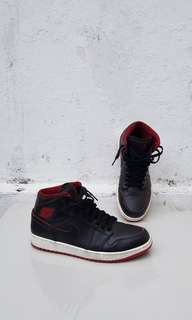 Air Jordan 1 Mid Size US 9.5