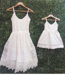 Mother ( medium) and daughter (size 3) twinning dress used once.