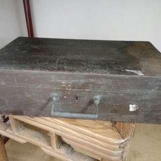 舊木盒 有鑑定印