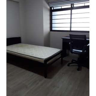Executive Apartment TOP FLOOR Common Room in a peaceful nature-inspired living environment @$600 & 5 mins walk to SEMBAWANG MRT (RED LINE) for MALE tenant & SOLO occupancy. NO AGENT FEE.