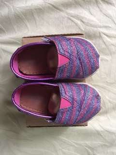 Baby Toms in sparkling purple