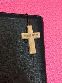 🚚 十字架橄欖樹木頭做 一體成形