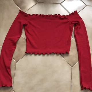 PRETTYLITTLETHING Red Longsleeve Crop Top