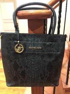 Replica Michael Kors Black Handbag