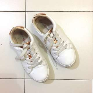Punkberry White Sneakers