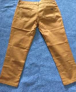 celana belom pernah di pake  krn beli kelecilan, no deffect, real pocure and colour