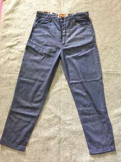 jeans bahan ga berat, size M, no deffect , real picture , real colour