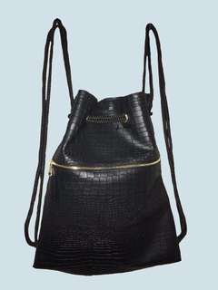 Leather stringbag