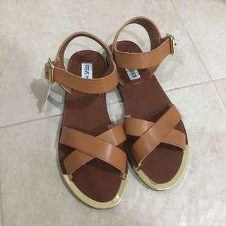 Steve Madden brown strap sandals
